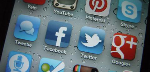 Choosing a Social Network